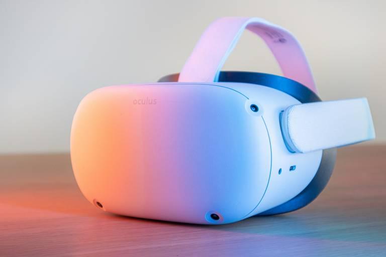 Lähikuva oculus quest 2 vr-laseista.